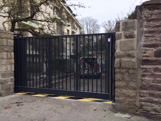 Installation d'un portail coulissant SAFIR