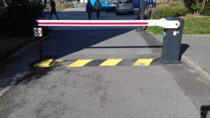 Sécurisation d'un parking de bureaux : 2 portes de garage et 4 barrières levantes !