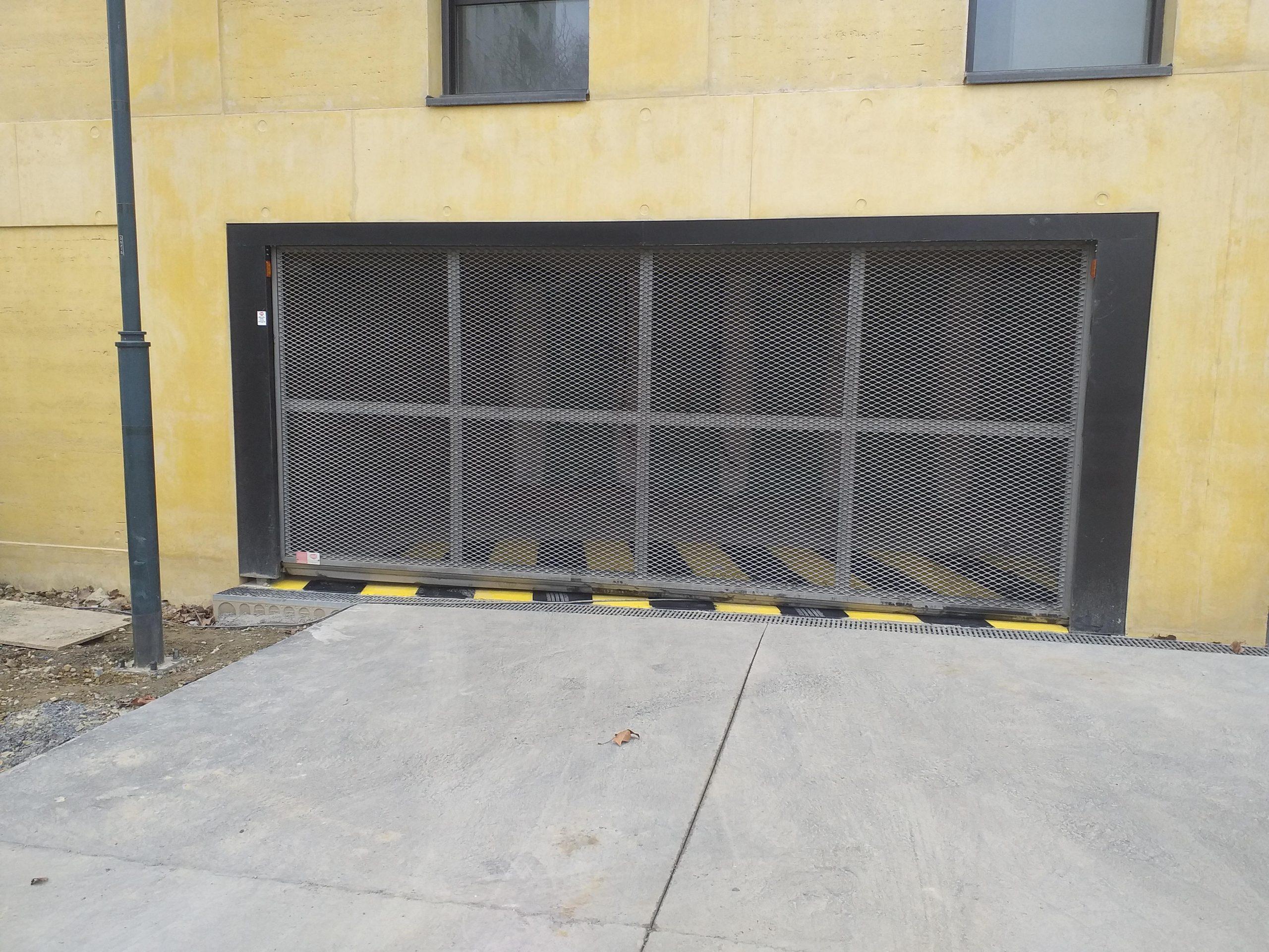 [RENNES] Porte SAFIR S424 sur le chantier OPEN