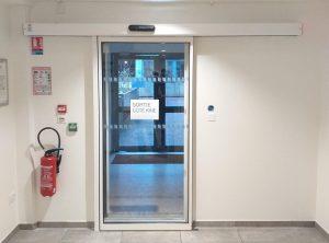 [Sans-contact] Porte piétonne automatique dans un cabinet médical